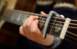 How to Use a Capo