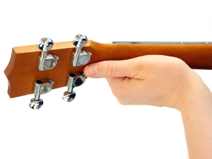 Incorrect Left Hand Thumb Position on Ukulele